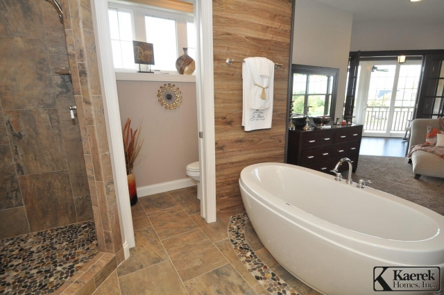 Kaerek Homes Master Bath